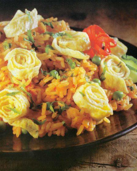 Receita Salteado de arroz com tiras de ovos