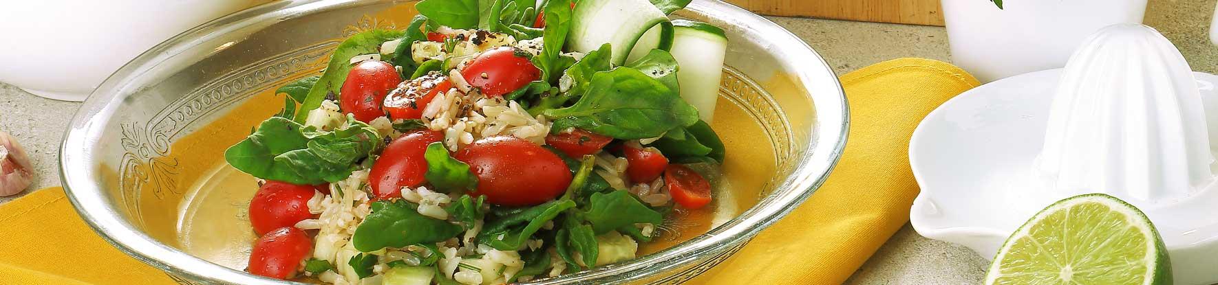 Receita: Salada de arroz integral com espinafre, visite nosso blog!